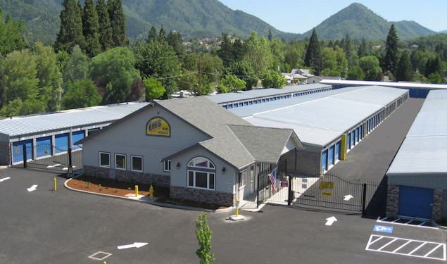 Lee 39 s mini storage self storage in grants pass southern for Affordable furniture grants pass oregon